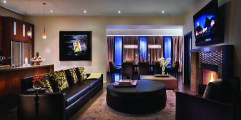 2631759-Sunset-Marquis-Hotel-Guest-Room-1-DEF
