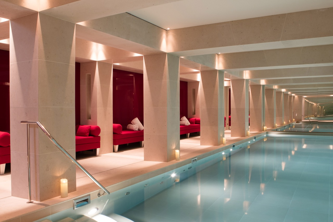 La-Reserve-Paris-Hotel-Swimming-pool