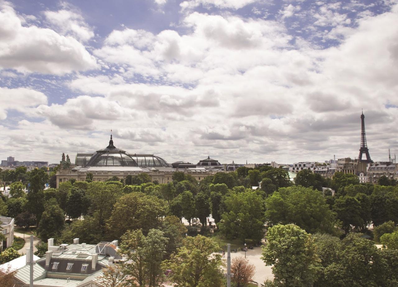 LW0645_60557949_View_over_Paris_6043x3868